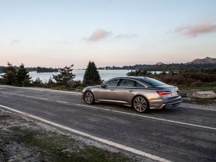 Neu! Fußmatten für den Audi A6 2020->