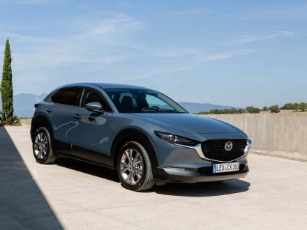 Neu! Autofussmatten für die Mazda CX30.