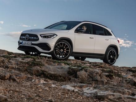 Neu! Fußmatten für den Mercedes GLA H247 2020 ->